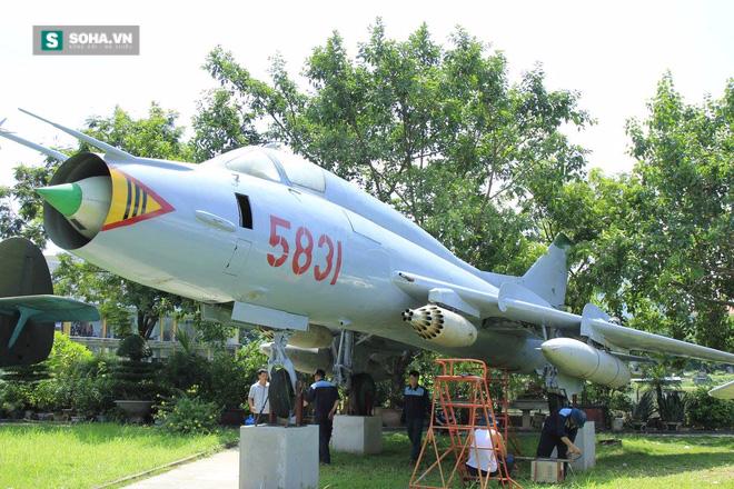 Tiêm kích bom Su-22 vừa đáp xuống ngay giữa trung tâm Hà Nội! - Ảnh 2.