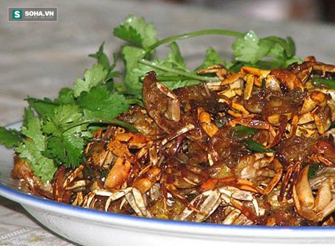Khi ăn tôm cua, mẹ Việt bỏ đi thứ giá trị nhất - Ảnh 1.