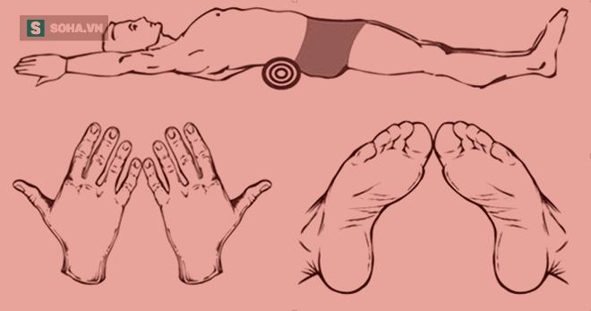 Bài tập với chiếc khăn tắm giúp giảm cân hiệu quả của người Nhật  - Ảnh 1.