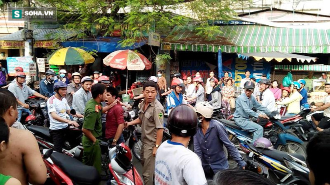 Cô gái dùng mũ bảo hiểm đánh tới tấp tên cướp giữa phố Sài Gòn - Ảnh 2.