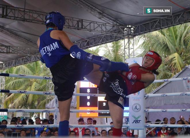 Nữ võ sĩ Việt đá đo ván đối thủ Trung Quốc sau tiếng còi 10 giây - Ảnh 2.