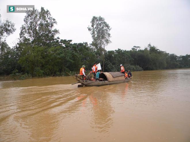 Những bất ngờ chưa ai kể trong lũ lụt miền Trung - Ảnh 1.