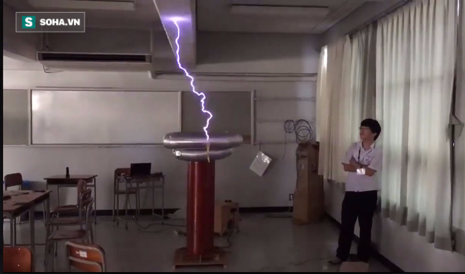Giờ học vật lý thật đến từng chi tiết tại trường học Nhật Bản - Ảnh 2.