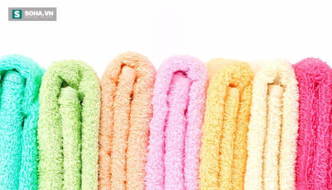Hiểm họa không ngờ từ chiếc khăn tắm mà bạn dùng hàng ngày - Ảnh 1.
