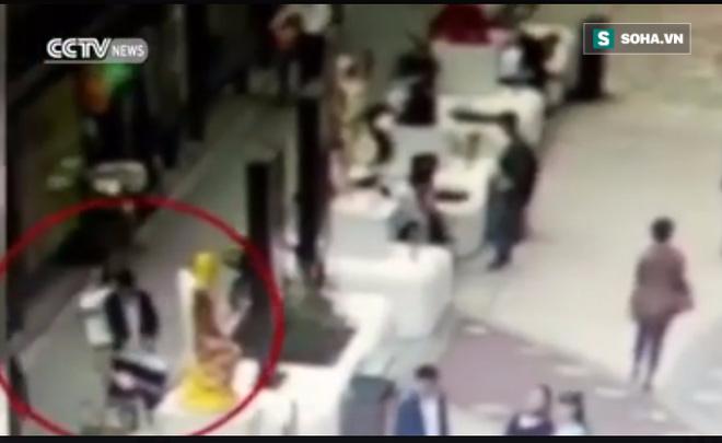 Hành động xấu xí, thanh niên Trung Quốc bị chính đồng bào lên án - Ảnh 2.
