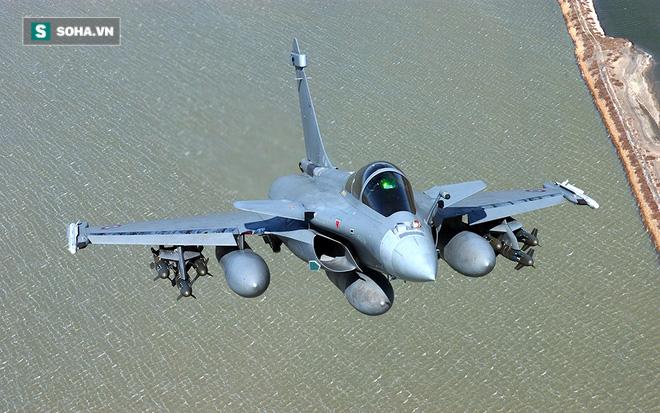 Không ngờ phi công Pháp bức bối vì tiêm kích đa năng Rafale: Giọt nước sắp tràn ly? - Ảnh 2.