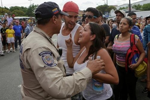Cùng quẫn khiến dân Venezuela làm liều, cả nước chìm trong bất ổn - Ảnh 5.