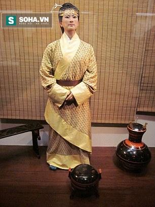 Kỳ lạ: Xác ướp Trung Quốc hoàn hảo nhất thế giới, còn nguyên tóc và da sau 2.100 năm - Ảnh 1.