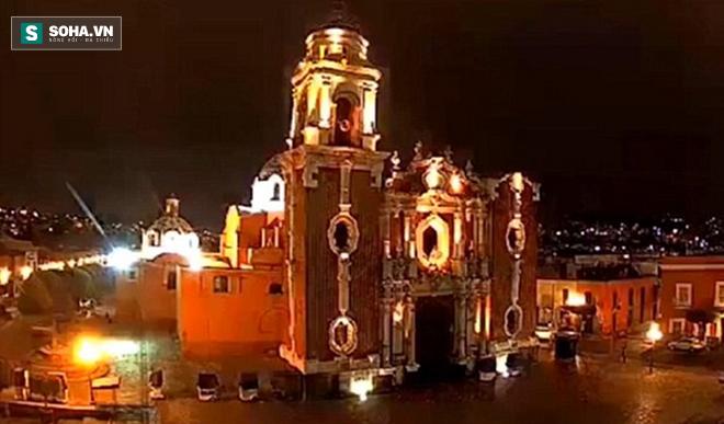 Bí ẩn quả cầu lửa khổng lồ nổ tung, đốt cháy trời Mexico - Ảnh 5.