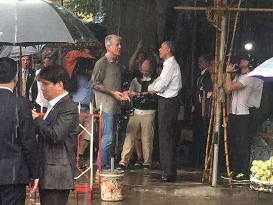15 hình ảnh thân thiện của Tổng thống Obama ở Việt Nam - Ảnh 8.