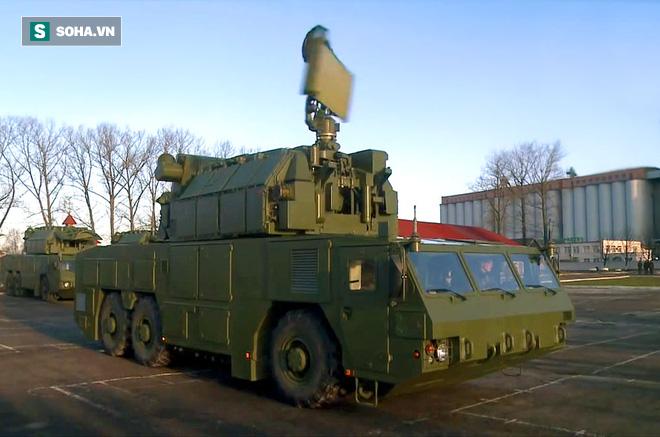Anh em môi hở răng lạnh: Tiếp nhận tên lửa phòng không Tor-M2 - Bộ trưởng BQP khen ngợi! - Ảnh 1.