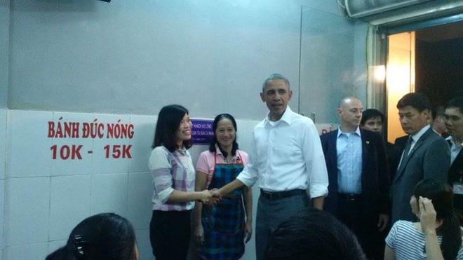 15 hình ảnh thân thiện của Tổng thống Obama ở Việt Nam - Ảnh 3.