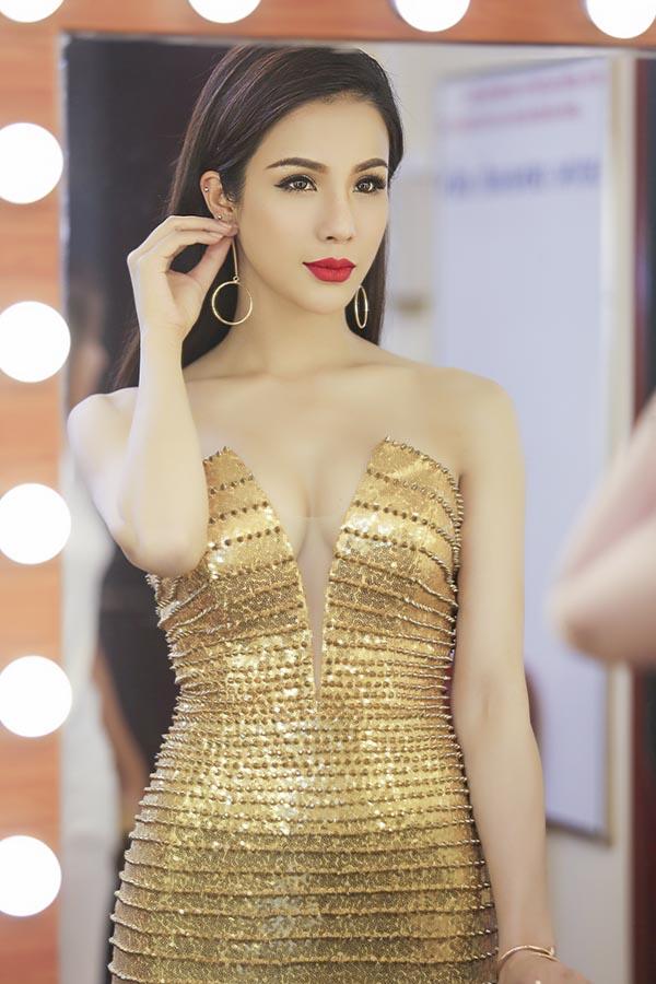 Chiếc đầm bó sát này khiến hàng loạt sao Việt phát cuồng - Ảnh 14.