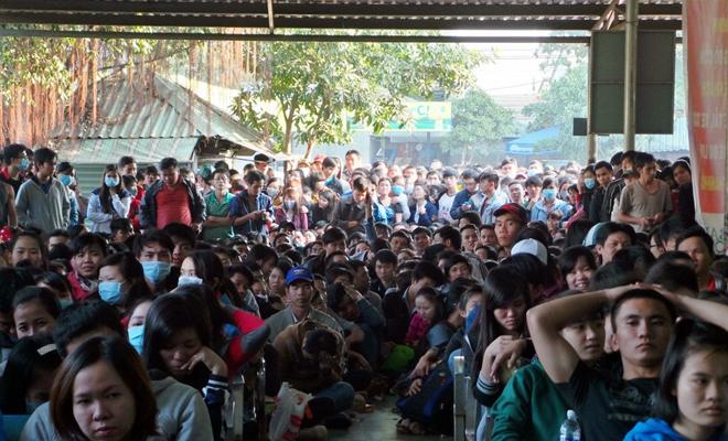 Người Sài Gòn không cần phải chen lấn, xếp hàng suốt đêm mua vé xe Tết - Ảnh 1.