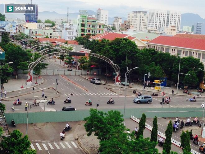 Người Đà Nẵng bức xúc vì cầu sông Hàn bị chặn lưu thông bất ngờ - Ảnh 3.