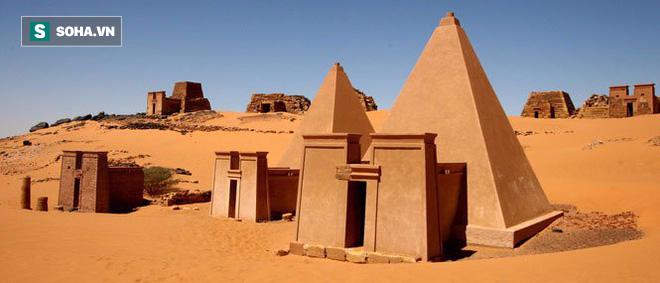 Nếu so về tuổi đời và độ tinh xảo, chưa chắc kim tự tháp ở Ai Cập đã là nhất! - Ảnh 3.