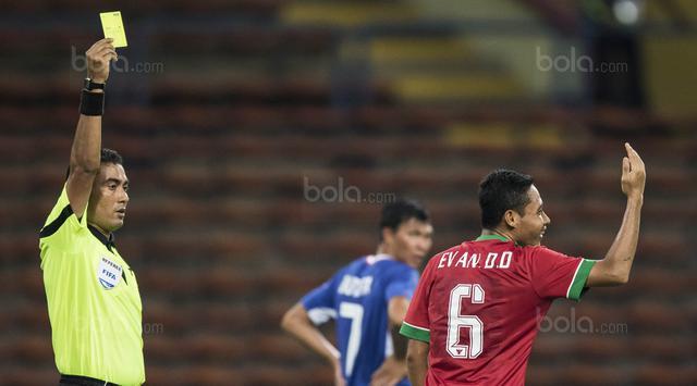 Mất ngôi sao ở trận gặp Việt Nam, Indonesia chỉ trích trọng tài chủ nhà rút thẻ sai - Ảnh 1.