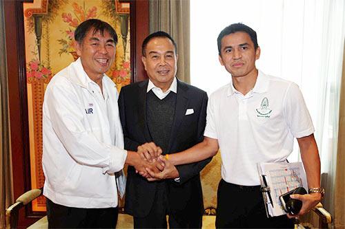 Đâu là lý do thật khiến LĐBĐ Thái Lan muốn dứt tình với Kiatisak? - Ảnh 2.
