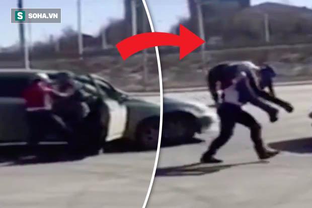 Bị tạt đầu xe, người phụ nữ trả đũa khiến đối phương không kịp trở tay - Ảnh 2.