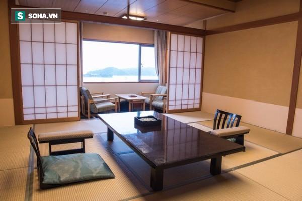 Những điều thú vị về nhà trọ kiểu Nhật: Khách thuê phải... tắm chung nơi công cộng - Ảnh 1.