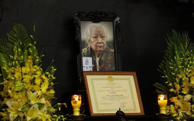 Tang lễ cụ Hoàng Thị Minh Hồ: Trưởng nam công khai di nguyện của cụ bà trước khi mất - Ảnh 24.