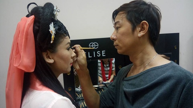 Buổi làm việc của chuyên gia make-up Phi Phi tại phim trường - Ảnh 4.