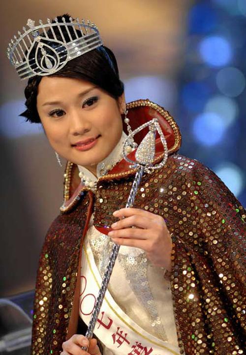 Hơn 30 năm qua, các thế hệ Hoa hậu Hồng Kông dần tuột sắc đến thảm hại - Ảnh 8.