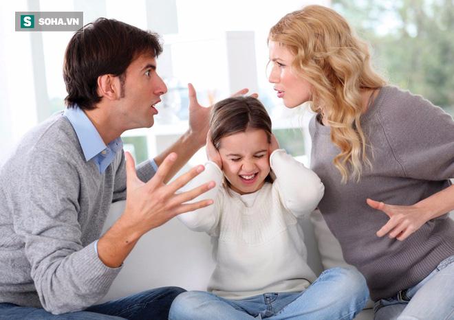 Bố muốn ly hôn với mẹ, con trai chỉ nói 2 câu giúp thay đổi cục diện hoàn toàn - Ảnh 1.