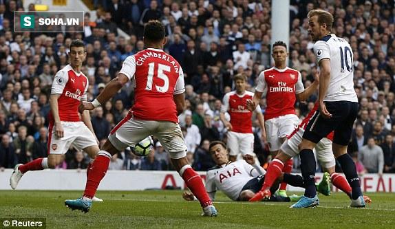 Trút niềm căm hận trăm năm, Tottenham ép Arsenal cúi gục đầu trên White Hart Lane - Ảnh 2.