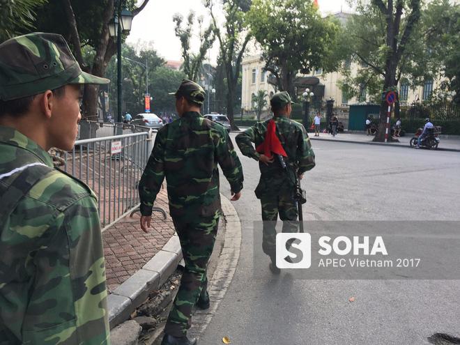 [ẢNH] Hà Nội khẩn trương chuẩn bị công tác an ninh đón Tổng thống Mỹ Donald Trump - Ảnh 5.