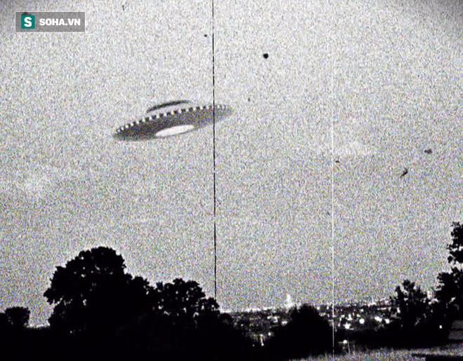Cuộc rượt đuổi tốc độ cao trên không của máy bay Mỹ với vật thể nghi UFO - Ảnh 5.