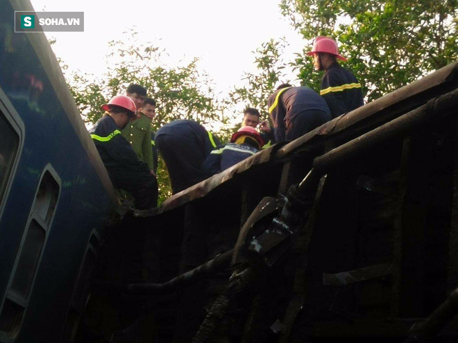 Hiện trường vụ tàu hỏa đâm ô tô tải, lật khỏi đường ray khiến 3 người thiệt mạng ở Huế - Ảnh 8.