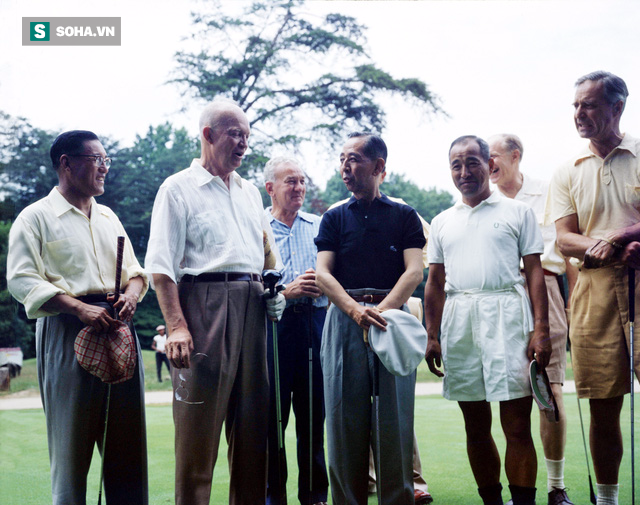 Từ việc bị Trump lạnh nhạt đến trận golf lịch sử: Bí quyết của Thủ tướng Abe là gì? - Ảnh 1.