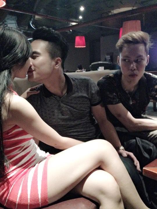 9x Hà Thành nổi tiếng trên mạng xã hội và lên báo nước ngoài nhờ khoảnh khắc này - Ảnh 2.