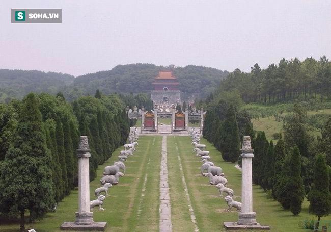 Quan tài tự di chuyển và những bí mật đáng sợ ẩn giấu trong lăng mộ hoàng gia Thanh triều - Ảnh 1.