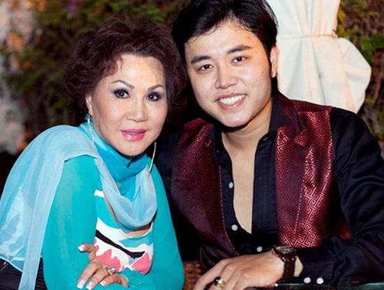 Giữa tin đồn chia tay, xem lại hình ảnh mặn nồng của Vũ Hoàng Việt với bạn gái tỷ phú U60 - Ảnh 4.