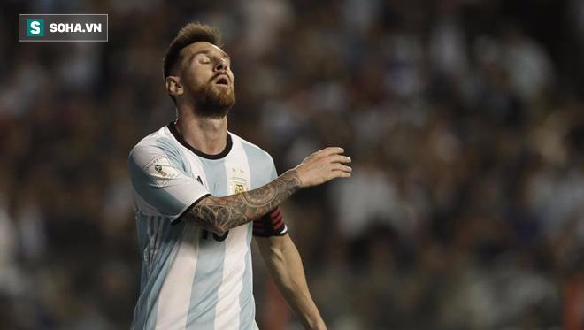 Nếu đổi chỗ cho Messi, Kane và Ronaldo có lẽ cũng chỉ là phường vô dụng - Ảnh 1.