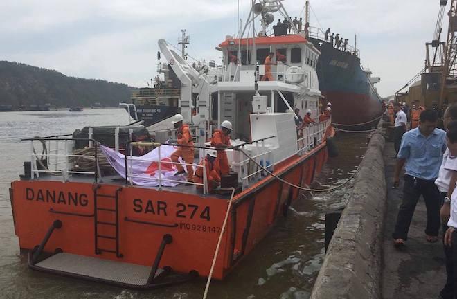 Phát hiện thi thể thuyền viên mắc kẹt trong tàu chìm dưới biển - Ảnh 2.