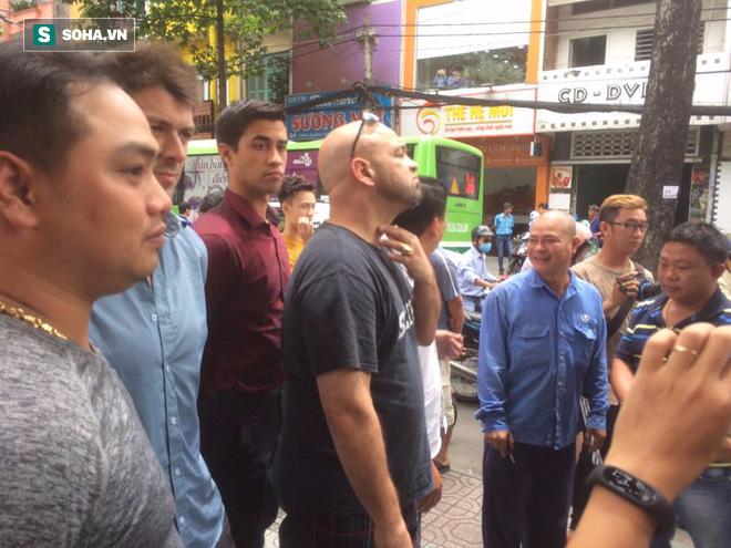 Nam Huỳnh Đạo tiết lộ lý do đóng chặt cửa, không tiếp võ sư Flores - Ảnh 1.