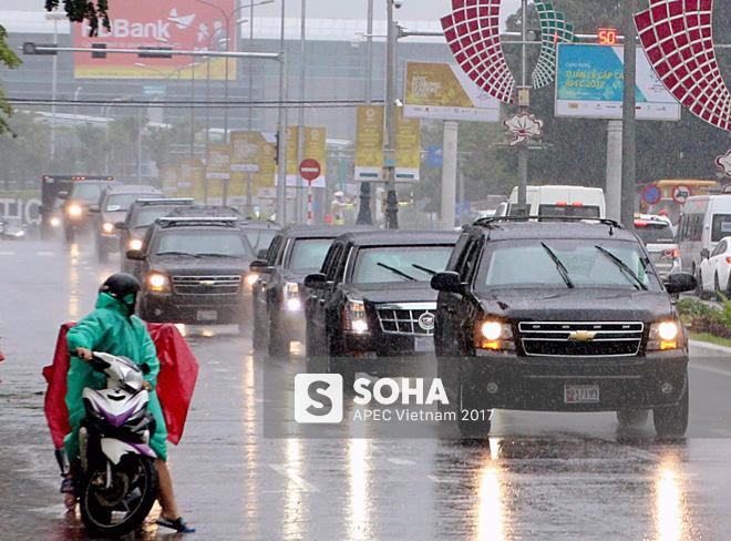Dàn xe của tổng thống Trump hộ tống siêu xe Cadillac One The Beast xuất hiện trên phố Đà Nẵng - Ảnh 1.