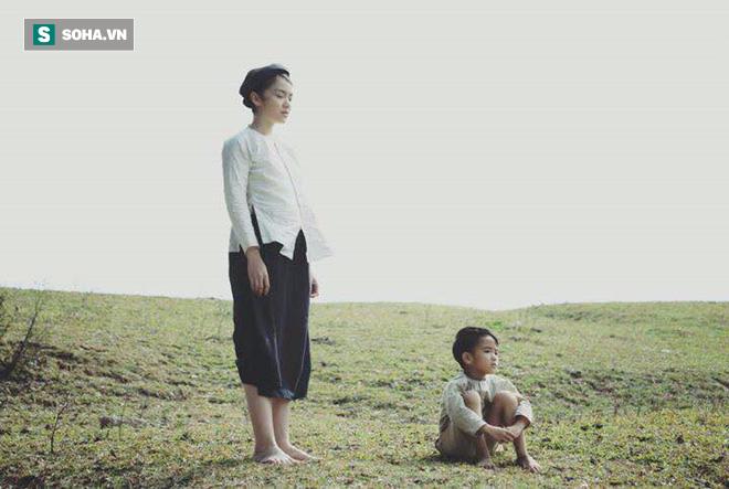 Nữ chính phim Việt gây tranh cãi: Lén dùng miếng dán ngực nhưng bị đạo diễn phát hiện - Ảnh 2.