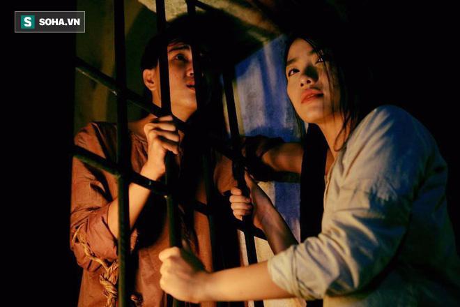 Nữ chính phim Việt gây tranh cãi: Lén dùng miếng dán ngực nhưng bị đạo diễn phát hiện - Ảnh 4.