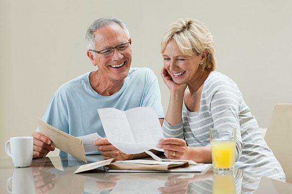 Nếu nhà bạn có người cao tuổi, nhắc họ tuyệt đối không làm 8 việc hại sức khoẻ này - Ảnh 3.