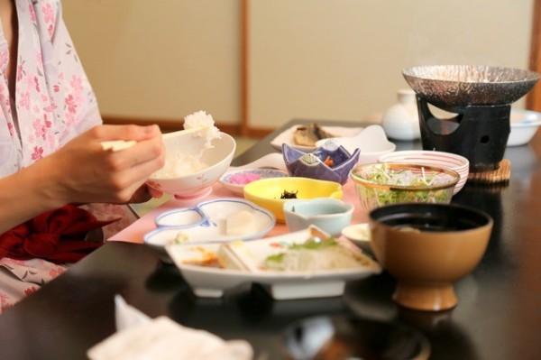 Những điều thú vị về nhà trọ kiểu Nhật: Khách thuê phải... tắm chung nơi công cộng - Ảnh 3.
