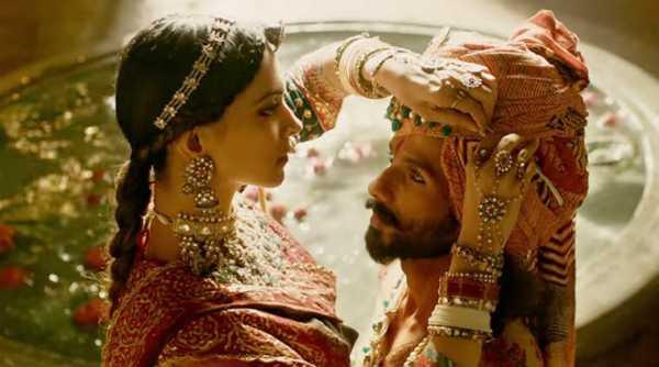 Phim điện ảnh Bollywood hoãn công chiếu, nữ chính và đạo diễn   bị săn lùng để lấy thủ cấp - Ảnh 7.