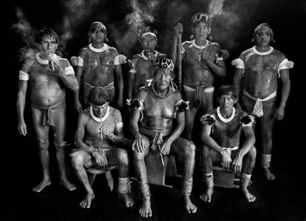 Hé lộ cuộc sống bí ẩn của thổ dân trong rừng rậm Amazon - Ảnh 3.
