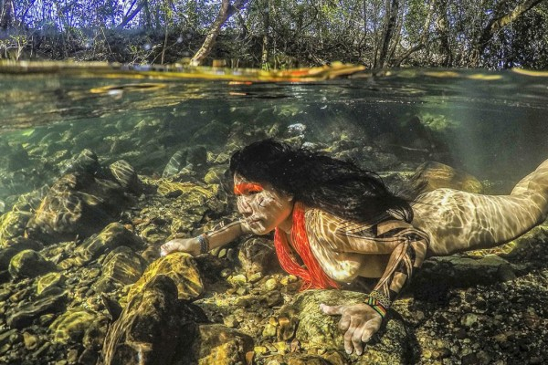Hé lộ cuộc sống bí ẩn của thổ dân trong rừng rậm Amazon - Ảnh 7.