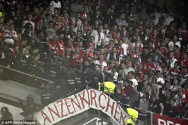 Thua đau Real, CĐV Bayern đại náo Bernabeu - Ảnh 4.
