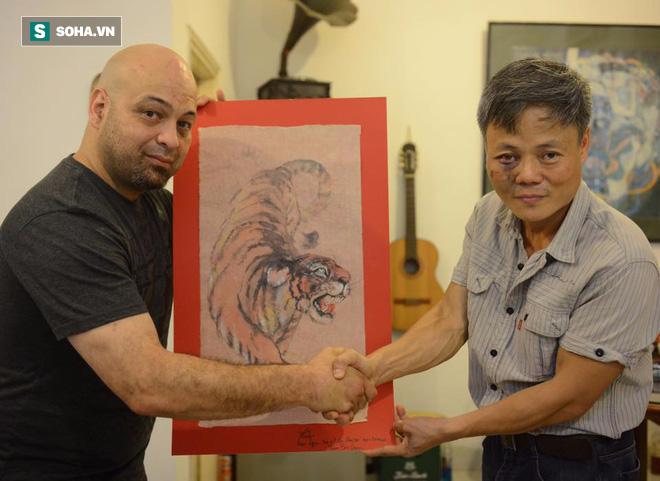Bức tranh con hổ giấy trong làng võ Việt: Chuyện Mike Tyson cắn tai và bí kíp võ mồm - Ảnh 1.