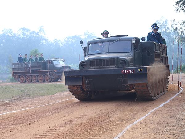Hình ảnh ấn tượng về hoạt động huấn luyện chiến đấu của Quân đội Việt Nam tuần qua - Ảnh 5.